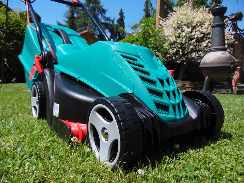 Kann ein Rasenmäher mit einem Notstromaggregat betrieben werden?